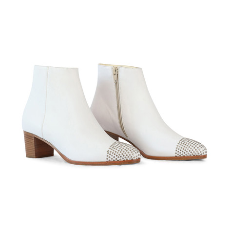 Aristocrat White Boot with Toe Studs